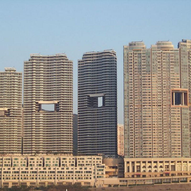 The Feng Shui Skyscrapers of Hong Kong