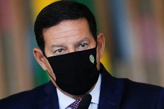 Ministro Salles boicota  reunião do Conselho da Amazônia e  irrita Mourão