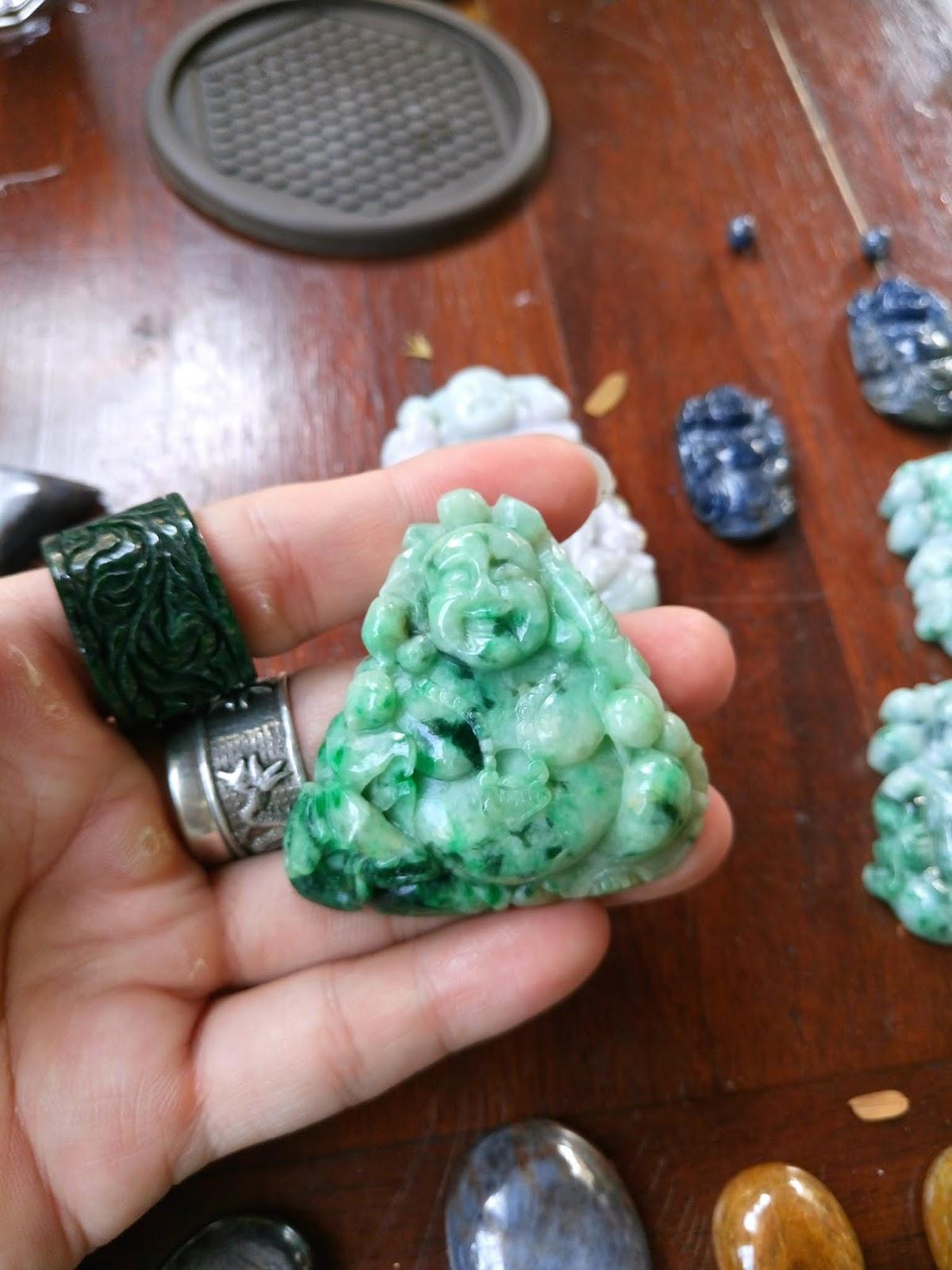 Cụ Di Lạc Cẩm thạch sơn thủy chuẩn A, Natural Jadeite Jade type A