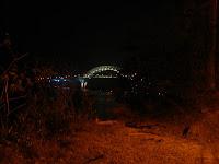 Puente de las Américas de noche