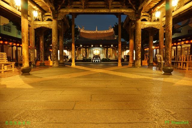 龙山寺的戏台