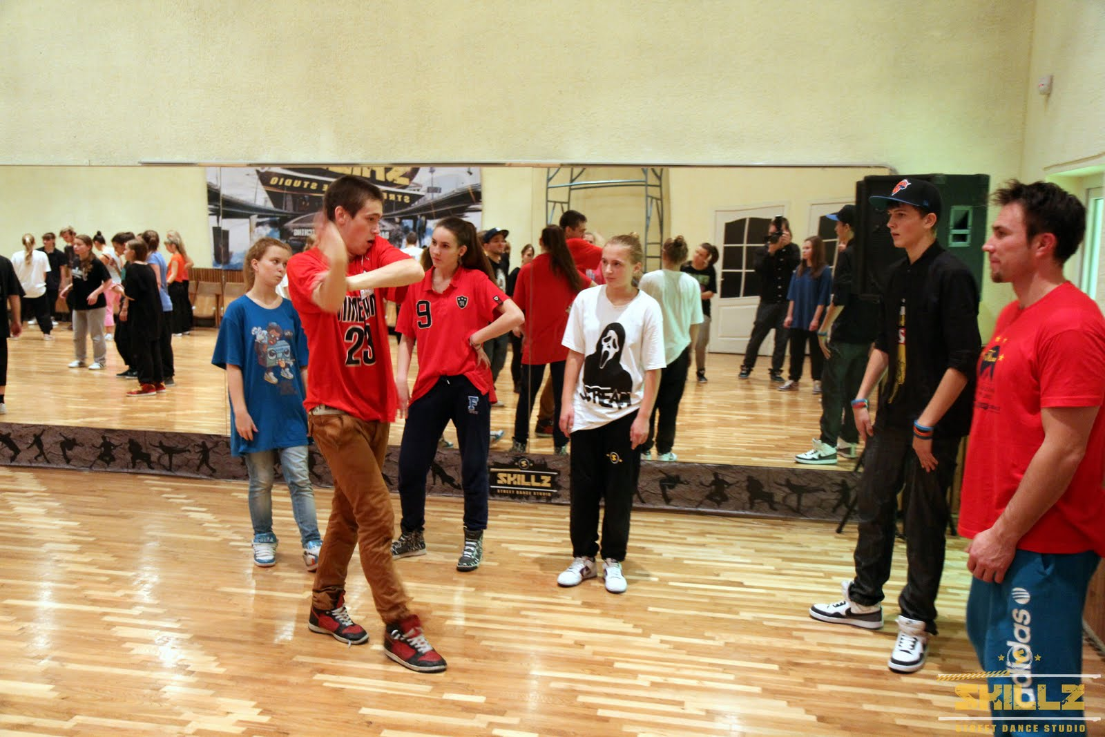 Hip- Hop workshop with Shaadow (UK) - IMG_1818.jpg