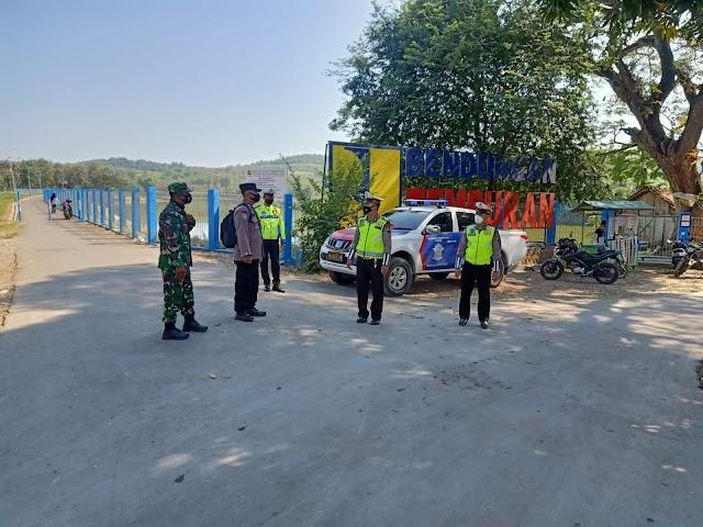 Petugas Gabungan Di Blora Jaga Kawasan Wisata Waduk Tempuran, agar pengunjung hindari Kerumunan