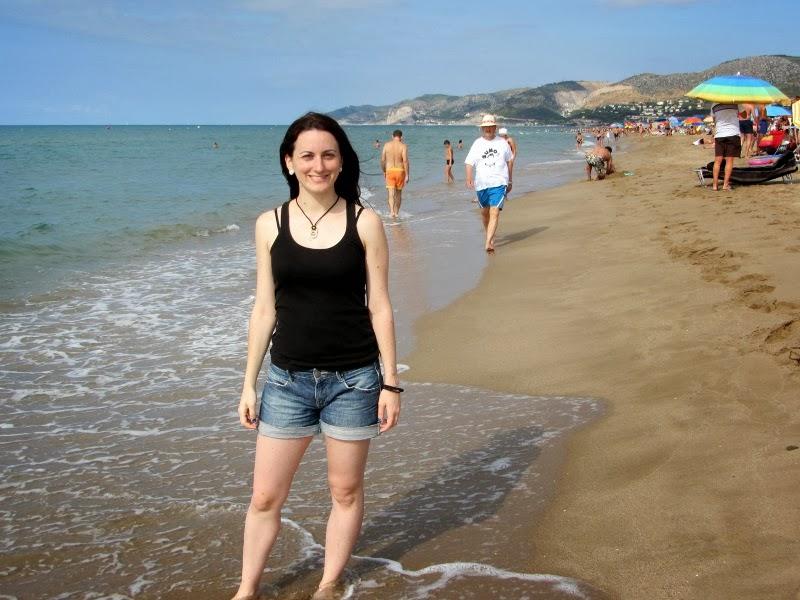Lena en la playa de Castelldefels