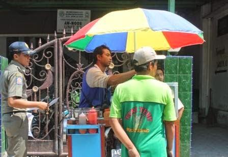 Berita, foto dan video terkini sinar ngawi: Jelang penilaian WTN, Pengelola parkor disepanjang trotoar Ngawi dilarang berkatifitas