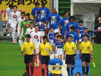 横浜F・マリノス vs ヴィッセル神戸の入場シーン