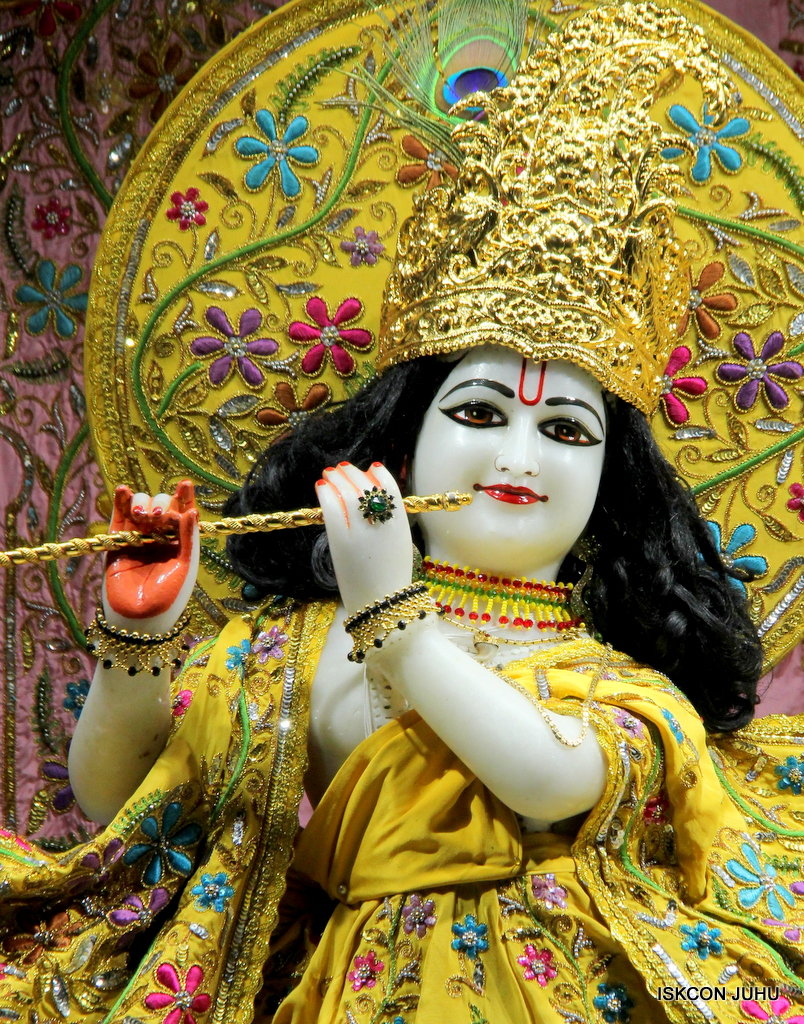 ISKCON Juhu Mangal Deity Darshan on 19th Oct 2016 (21)