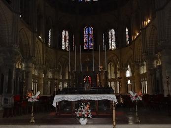 2017.10.23-133 choeur dans la basilique Saint-Remi