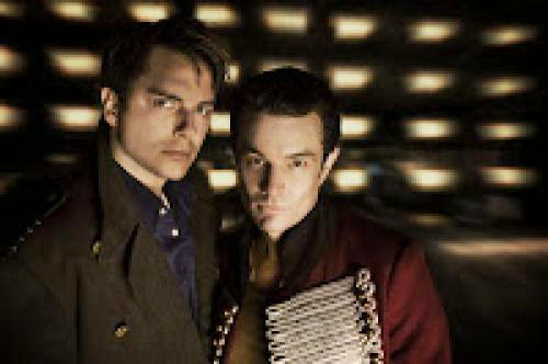 Kiss Kiss Bang Bang An Early Look At Torchwood Season Two Premiere