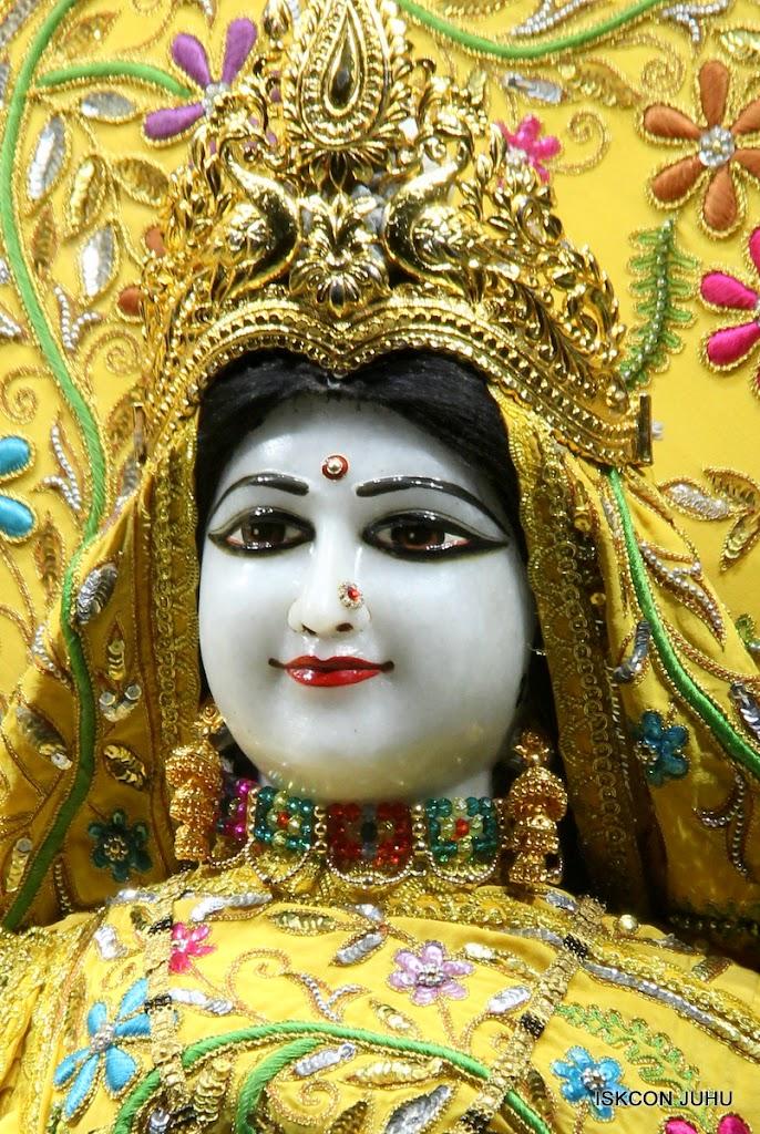 ISKCON Juhu Mangal Deity Darshan on 27 April 2016 (17)