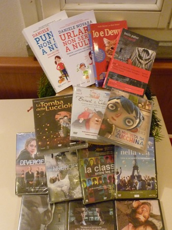 Donazione libri e dvd biblioteca Natale 2017 (5)