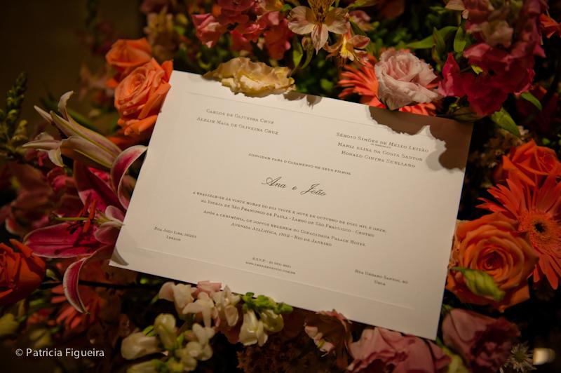 Foto de casamento 1318 de Ana e Joao. Marcações: 29/10/2011, Casamento Ana e Joao, Convite, Convite de Casamento, Rio de Janeiro.