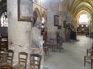 2016.03.27-035 statues dans l'église Notre-Dame