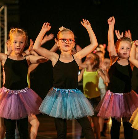 Han Balk Dance by Fernanda-2866.jpg