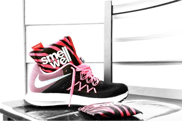 illaluktande skor