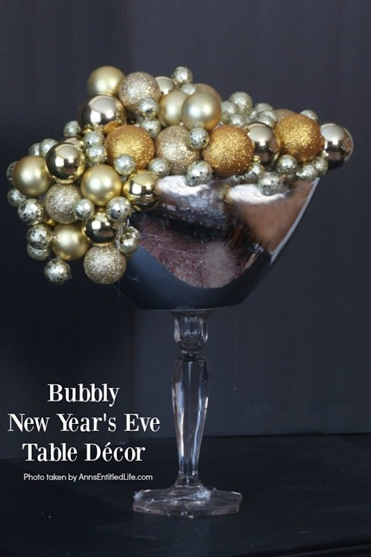 bubbly-new-years-eve-table-decor-vertical