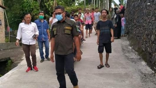 Lepas Bibit Ikan di RT 03/RW 02 Kepala Koto, Ketua DPRD Kota Padang: Masyarakat Ingin Daerahnya Unggul