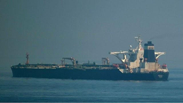 Razzo lanciato per errore in esercitazione navi iraniane, 40 vittime