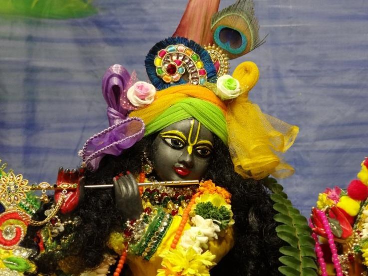 ISKCON Nigdi Deity Darshan 18 Dec 2015 (18)