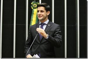 thumbnail_Rafael Motta plenário