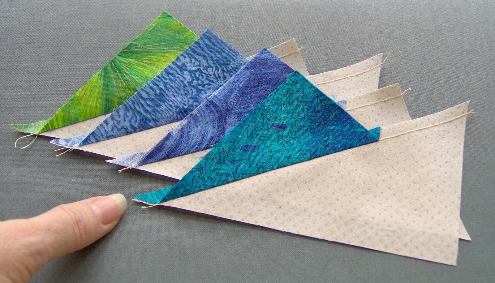 Gayle Bong Quilts Too: New to you? : 60 degree triangle quilt - Adamdwight.com