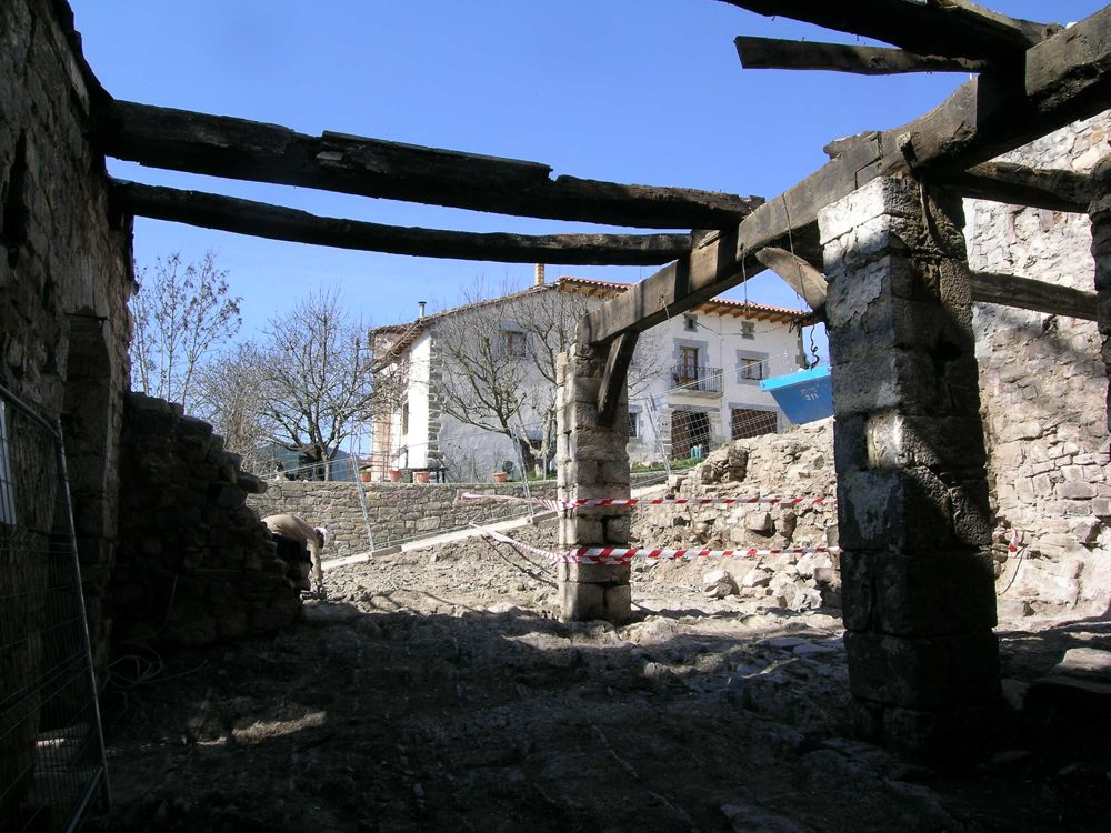 Reconstruccion Torre de Uriz - DSCN8492.JPG