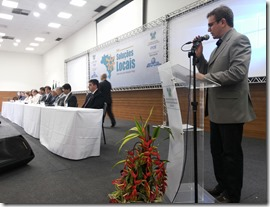Presidente da FEMURN discute pleitos com Ministro da Educação (1)