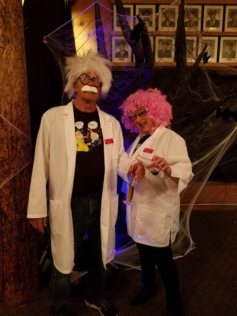 2017 Halloween/Oktoberfest - 20171021_182001_resized.jpg