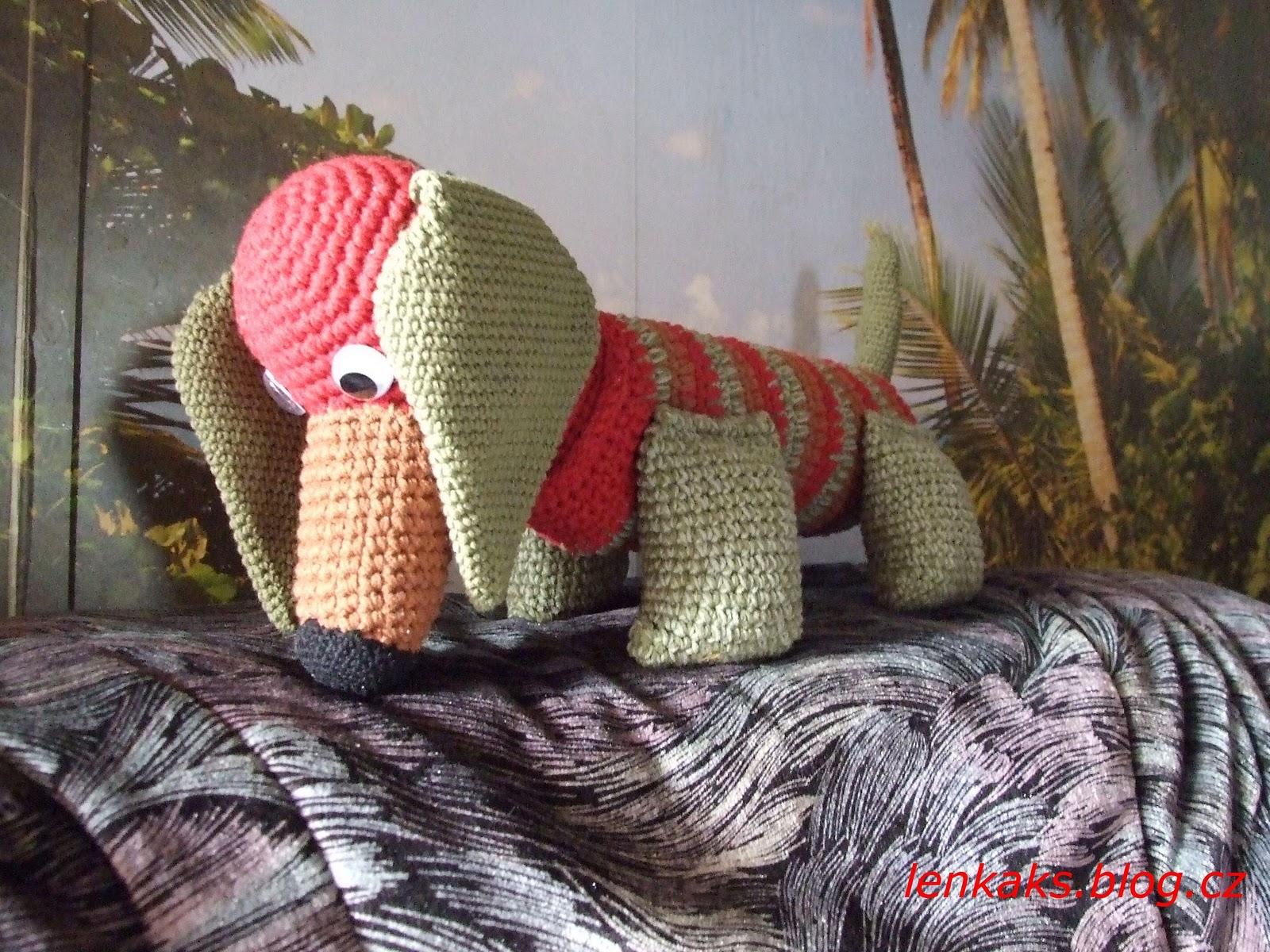 Free Crochet Pattern Wiener Dog : 2000 Free Amigurumi Patterns: Dachshund crochet pattern