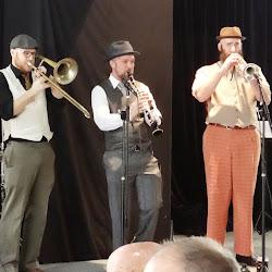 Moochers Inc at Harmonie German Club Aug 2015