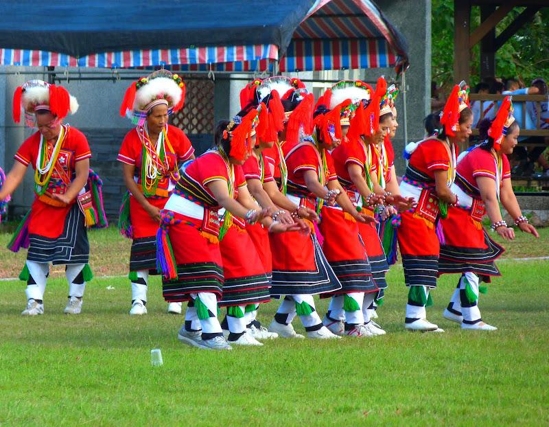 Hualien County. Liku lake. Danses Amis J 2 - liyu%2B2%2B477.JPG