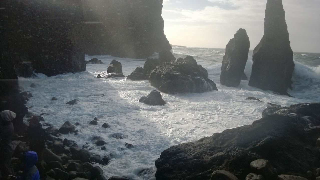 Southern tip of Reykjanes, the best pillows were on shore. Scary and beautifull. J-M Kekki