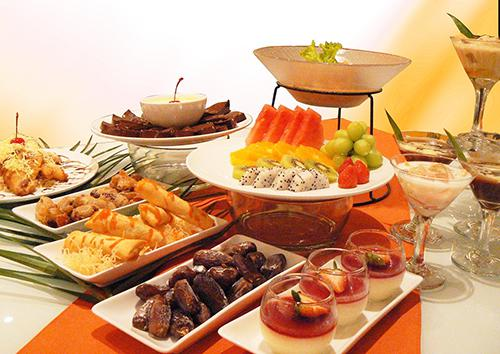 Makanan dan minuman yaitu sesuatu yang sanggup menjadi penentu dalam mendukung kelnacaran me Cara menciptakan Aneka Cemilan Resep Menu Buka Puasa Dan Minuman Takjil