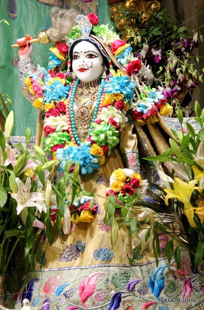 ISKCON Juhu Sringar Deity Darshan on 26th Aug 2016 (17)