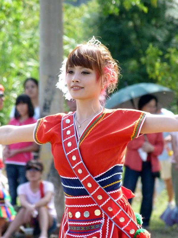 Hualien County. Liku lake. Danses Amis J 2 - liyu%2B2%2B365.JPG