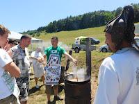 Via Nova Baráti Körök gulyást főznek.JPG