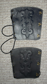 Category I arm guards - with pattern: with anti allergic material on the backside