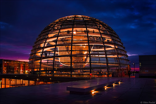 Reichstagskuppel - Berlin       My contribution to: #Circleshare #DesignCircle #PublicCircle #Design...