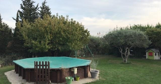 La maison du faucon piscine b ch e mais il fait trop chaud for Piscine la plus proche de chez moi