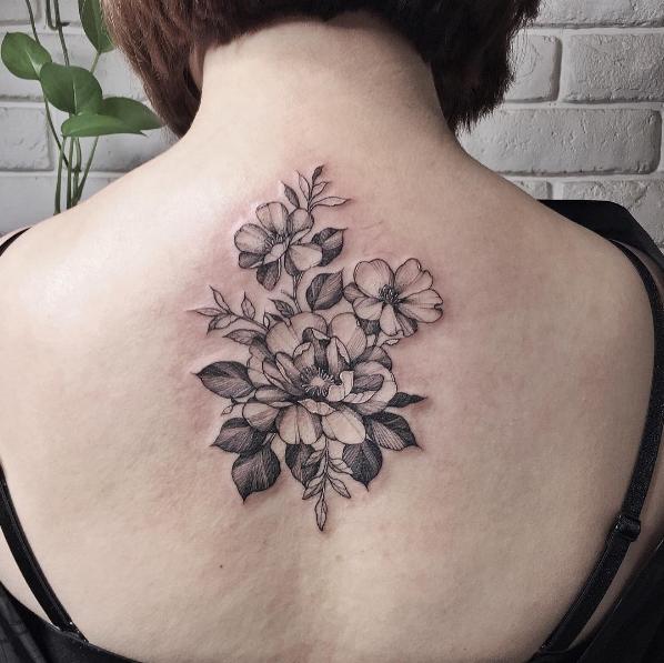 este_blackwork_floral_peça