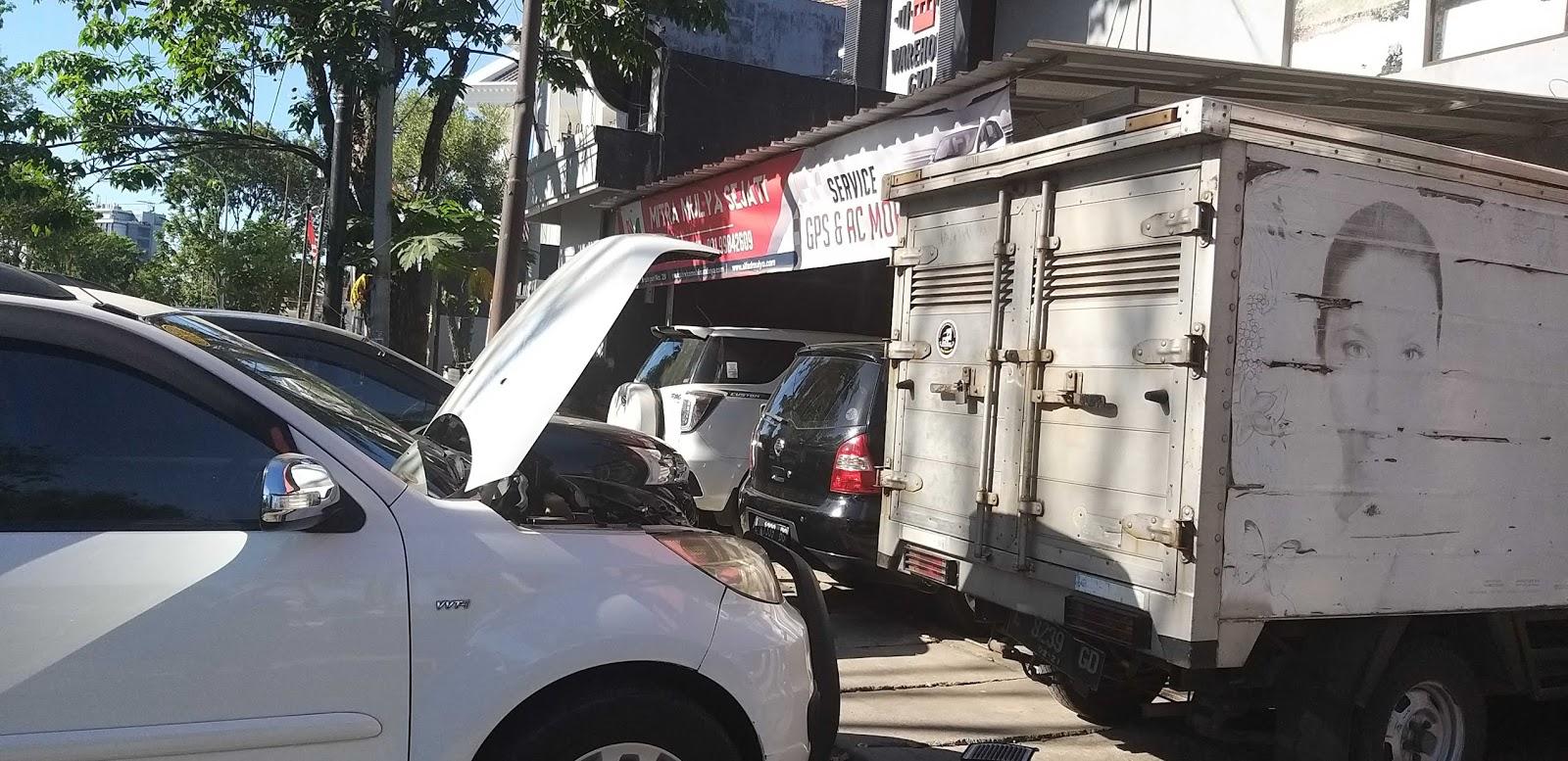 Service Mobil Panggilan Surabaya Solusi Mobil Mogok Malam Hari Bengkel Mobil Dan Servis Mobil Panggilan Surabaya 08113465899