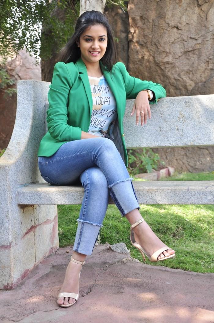 Keerthi suresh Malayalam actress cute pics in Jeans