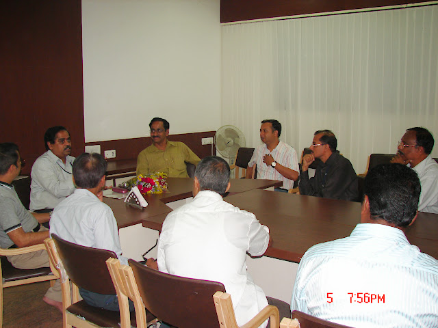 Demonstration of Amateur Radio Satellite communication to Mr Annadurai and Mr Raghavamurthy - DSC00166.JPG