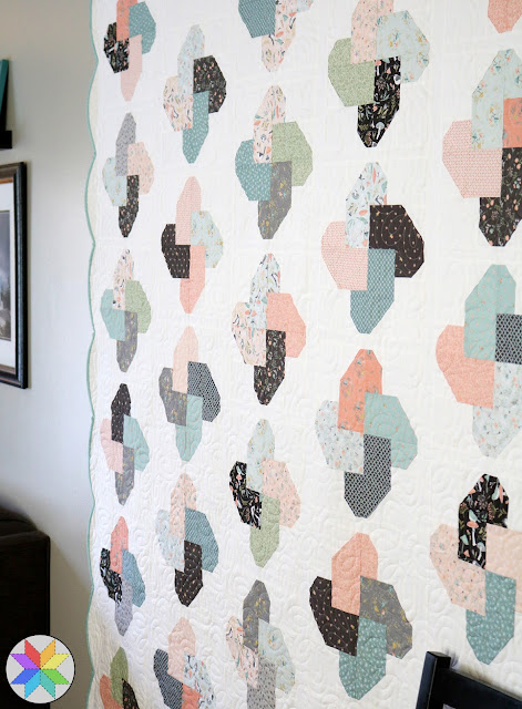 Winsome quilt pattern by A Bright Corner from the Fresh Fat Quarter Quilts book - love the scallop border