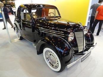 2018.12.11-108 Renault Juvaquatre 1946