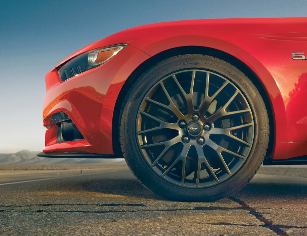 Ford-Mustang-GT-2015-06