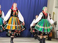 2 Lengyel népviseletben.jpg