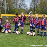 Kabouter voetbaltoernooi bij Pekela 2000 - Foto's Harry Wolterman