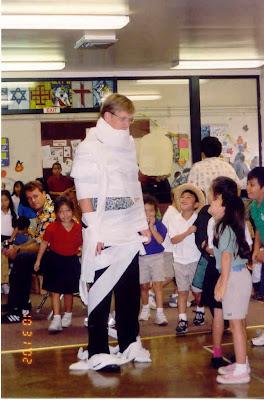 Principal Mummy 10-31-02.jpg