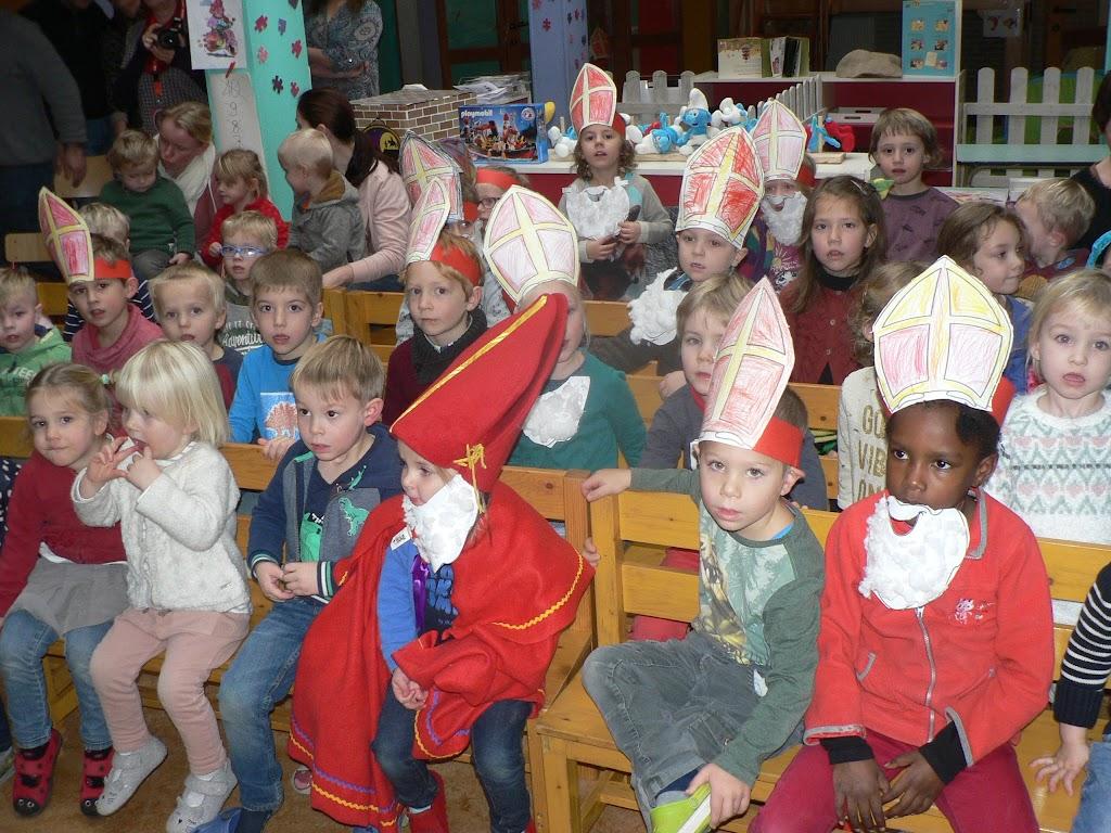 Sinterklaas op bezoek - P1270301.JPG